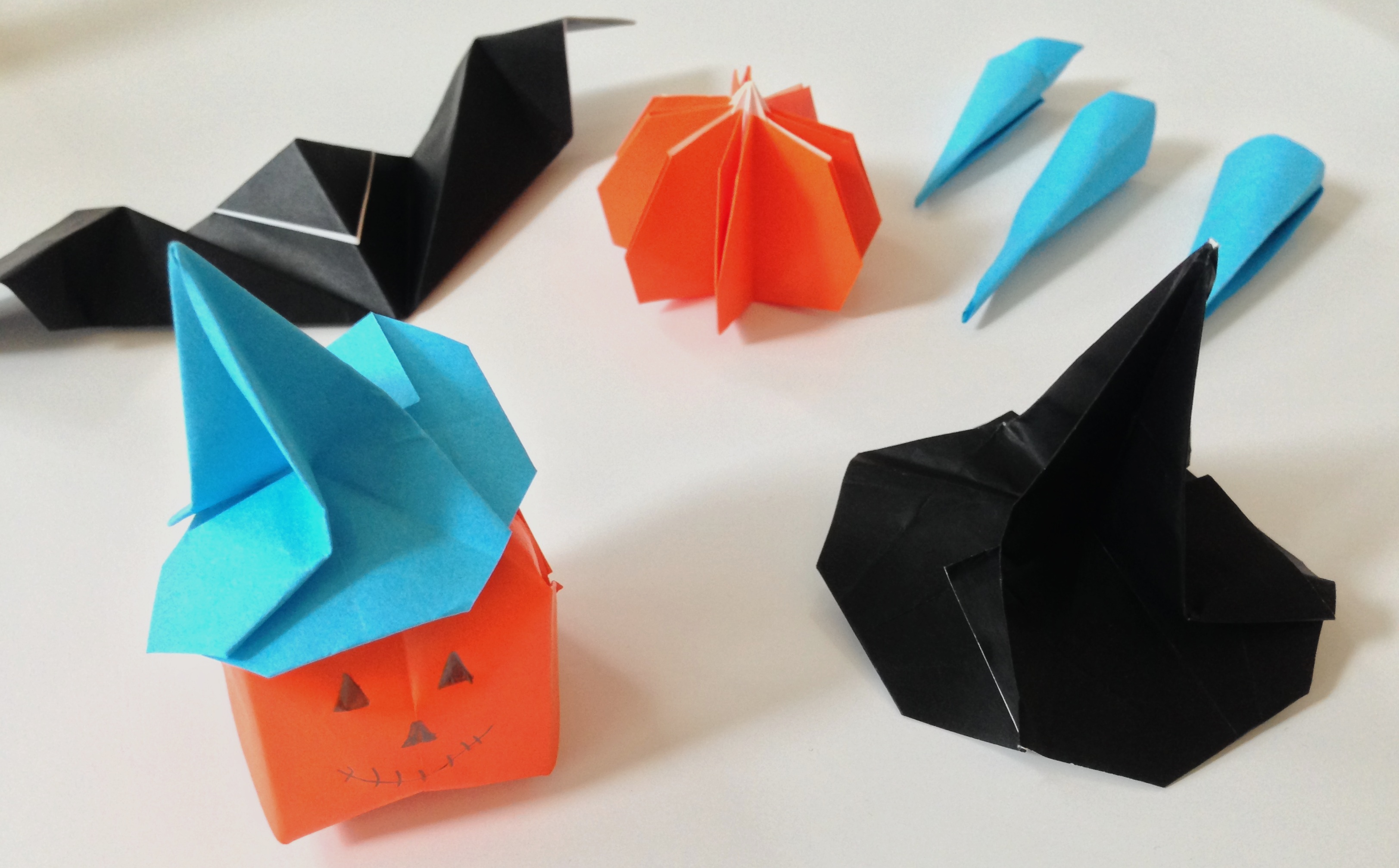 Halloween bento and origami workshops at the london qbic hotel halloween origami 1 halloween origami jeuxipadfo Gallery